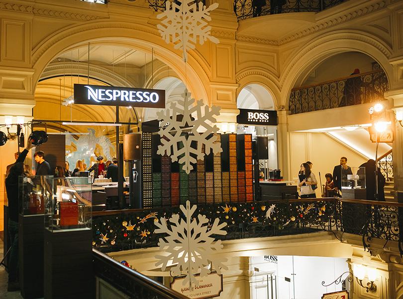 Светская хроника: ледовое шоу Алексея Ягудина, Татьяны Навки и Романа Костомарова на открытии бутика Nespresso в ГУМе