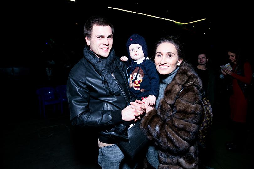 Светская хроника: премьера ледового шоу «Щелкунчик» вМоскве. Анастасия Винокур с мужем и сыном