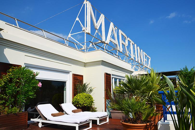 Профессия: отельер. Генеральный менеджер отеля Hôtel Martinez вКаннах Алессандро Креста— окрасивой жизни исекретах профессии