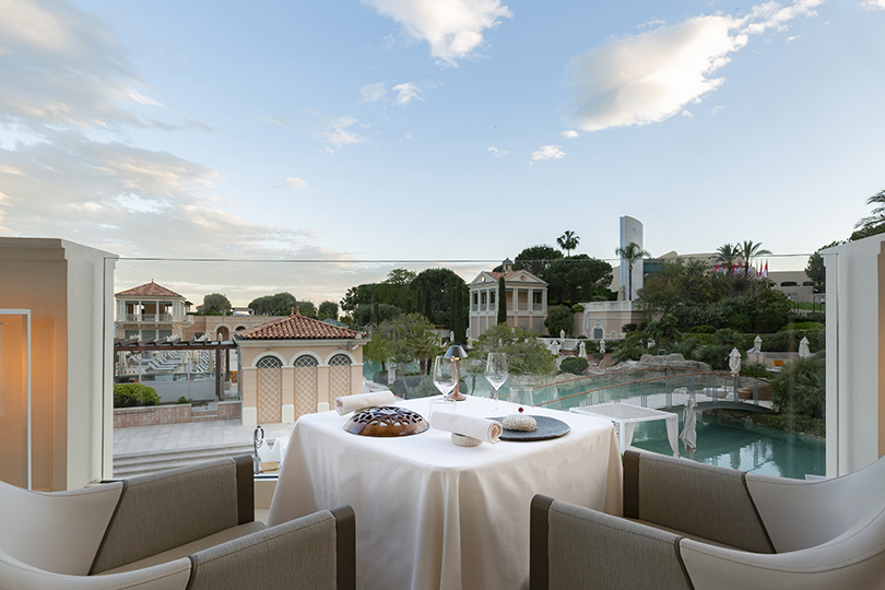 Ресторан Le Blue Bay в отеле Monte-Carlo Bay