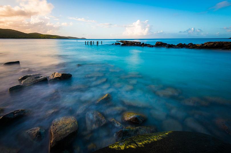 Пляж Flamenco Beach расположился на небольшом тропическом острове Кулебра, в 27 километрах к востоку от Пуэрто-Рико, и простирается на мили белого кораллового песка, окруженного зелеными холмами
