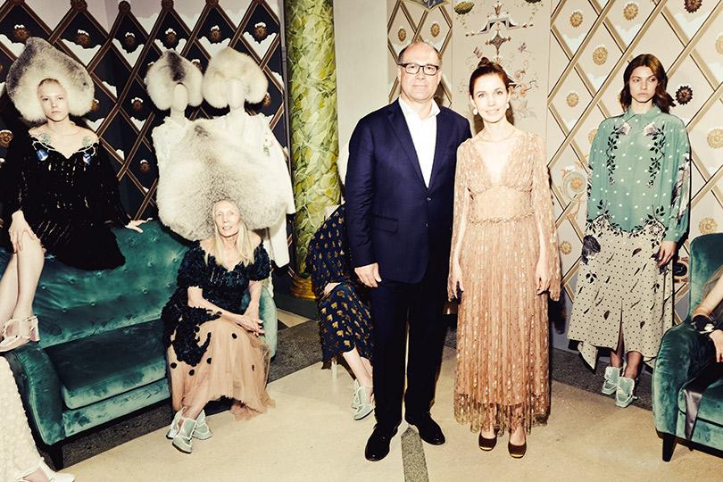Театрализованная презентация осенне-зимней коллекции Alena Akhmadullina помотивам «Снежной королевы». Дмитрий Ларионов (Saga Furs), Алена Ахмадуллина
