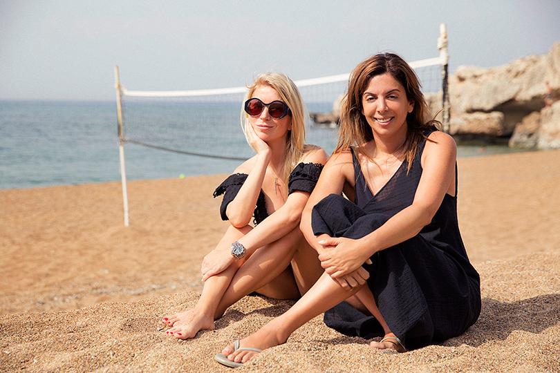 Anassa Hotel, Кипр. Две Наташи на пляже Anassa: Наташа Михаэлидэс, владелица отеля и Наташа Валевская, дизайнер и светская дама