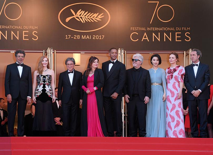 Открытие 70-го Каннского кинофестиваля:  члены жюри Каннского кинофестиваля