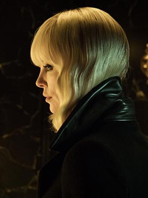 Что посмотреть ввыходные: «Взрывная блондинка»