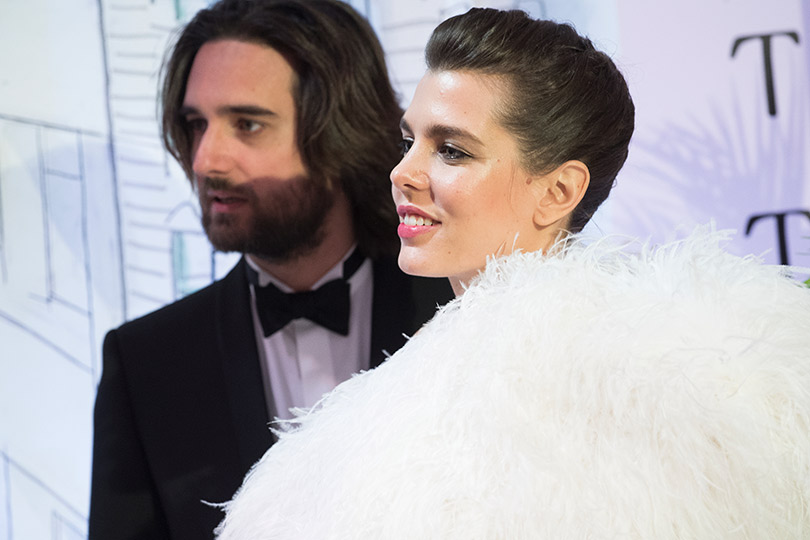 Шарлотта Казираги (вAnthony Vaccarello for Saint Laurent) иДимитрий Рассам— первый официальный выход всвет после помолвки