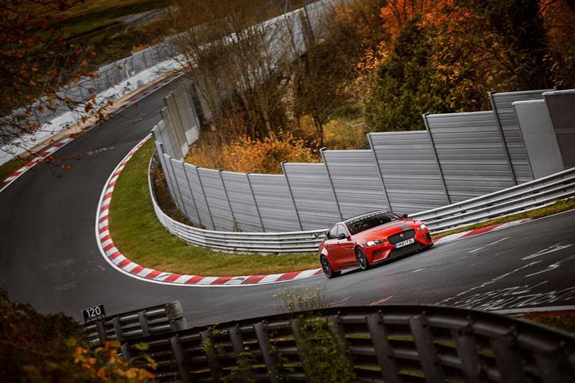 Авто с Яном Коомансом: Jaguar XE SV Project 8 установил новый рекорд Нюрбургринга