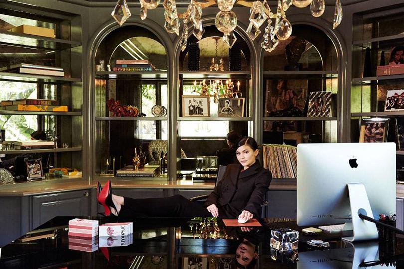 Кайли Дженнер заработала 900 миллионов долларов ипопала всписок Forbes