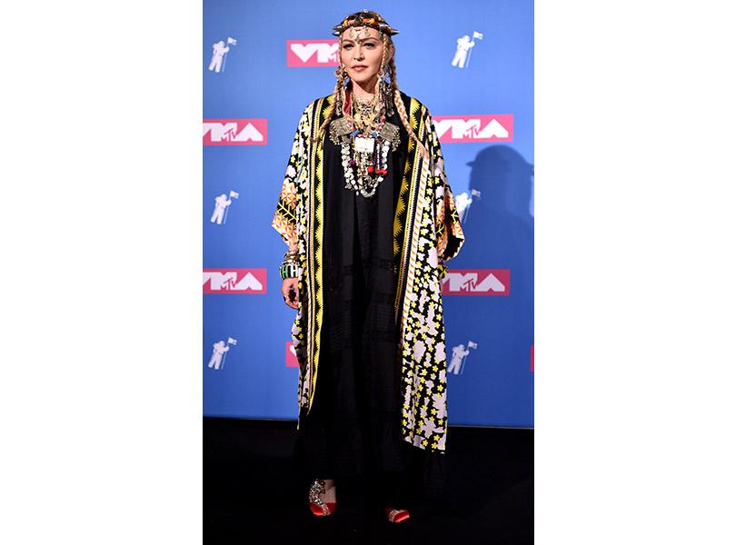 Лучшие образы сковровой дорожки MTV VMA 2018. Мадонна