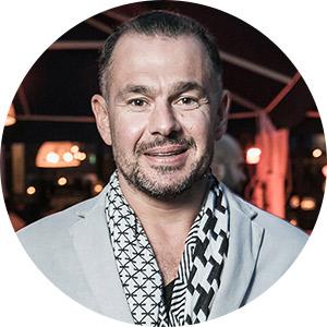 Алексей Каролидис, владелец греческих ресторана, бара ипекарни ΜΟΛΩΝ ΛΑΒΕ