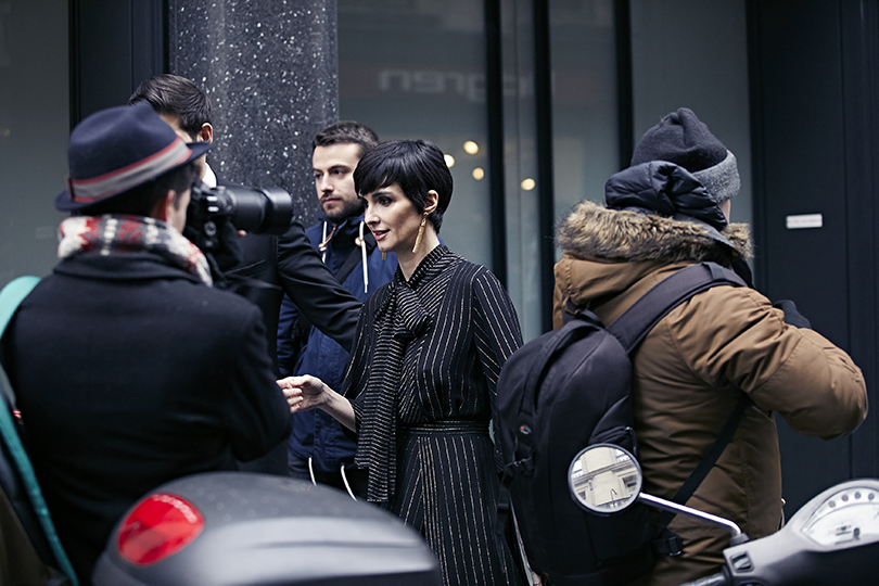 Street Style: эксклюзивные фотографии стретьего дня Недели Haute Couture вПариже вобъективе ИноКо. Пас Вега