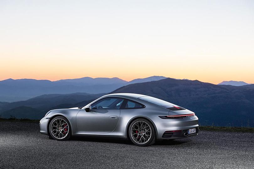 Cars with Jan Coomans. L.A. Confidential: abrand new Porsche 911is born
