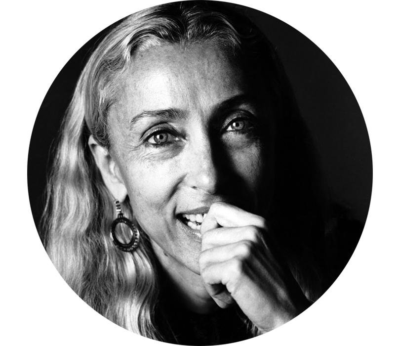 Персона: скончалась легендарный редактор Vogue Italia Франка Соццани