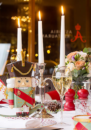Где отмечать Новый год: праздники влучших отелях Санкт-Петербурга. «Астория» &«Англетер»