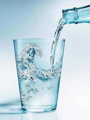 PROБаланс: Сати Казанова— отом, как выбирать, очищать ипить воду