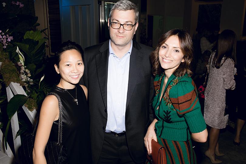Вечеринка послучаю запуска путеводителя The Vanderlust Singapore. Беверли Ауйонг, Владимир Руга и Карина Ошроева