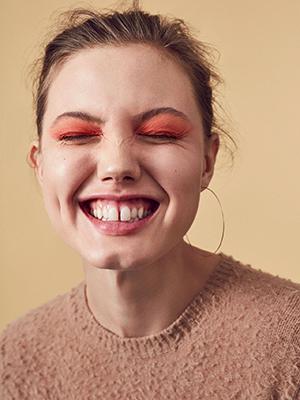 Полюбви: 23-летняя модель Линдси Виксон «выходит напенсию» изапускает собственное дело