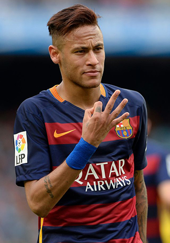 Купил себя сам: бразильский футболист Неймар выкупил себя у «Барселоны» за 222 миллиона евро