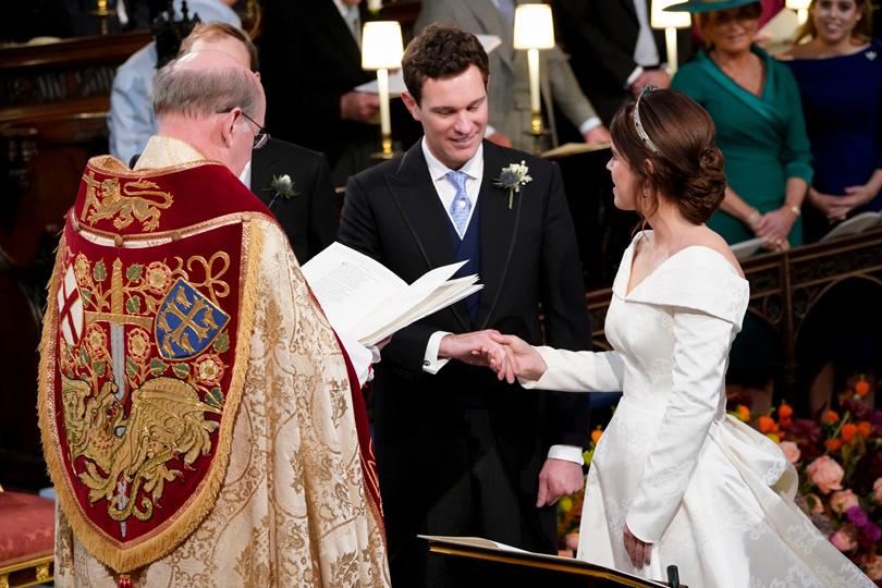 Счастливые новобрачные: Джек Бруксбэнк и принцесса Евгения во время обмена клятвами