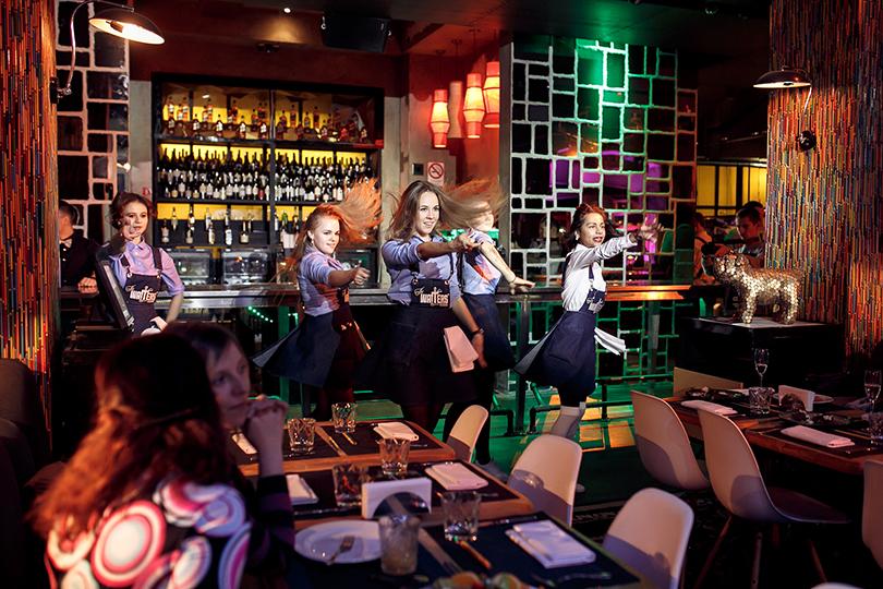 Food Time cИлоной Федотовой: The Waiters. Ресторан влучших традициях лас-вегасских шоу теперь вМоскве