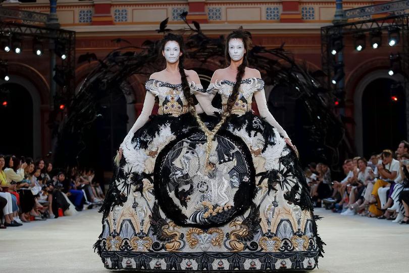 Haute Couture Fall Winter 2019/2020: Guo Pei