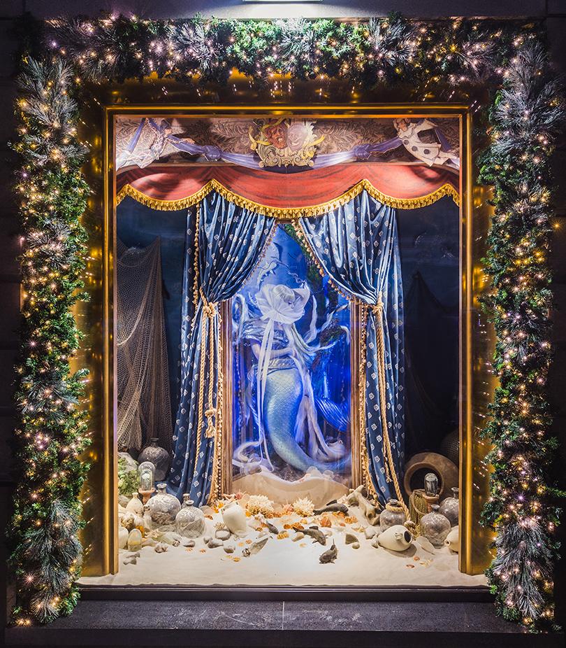 Новый год: праздник кнам приходит— самые красивые рождественские витрины мира. ЦУМ