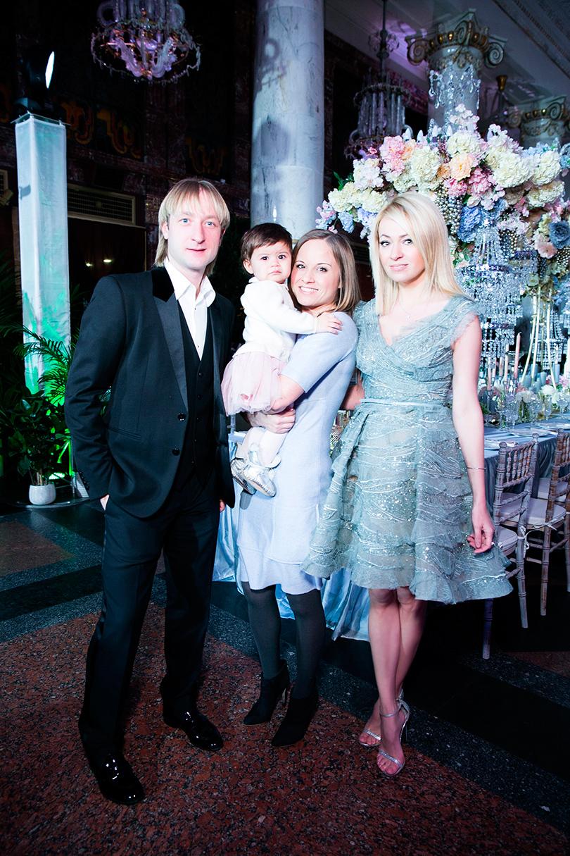Евгений Плющенко, Мария Морозова (Mercedes-Benz Russia) и Яна Рудковская