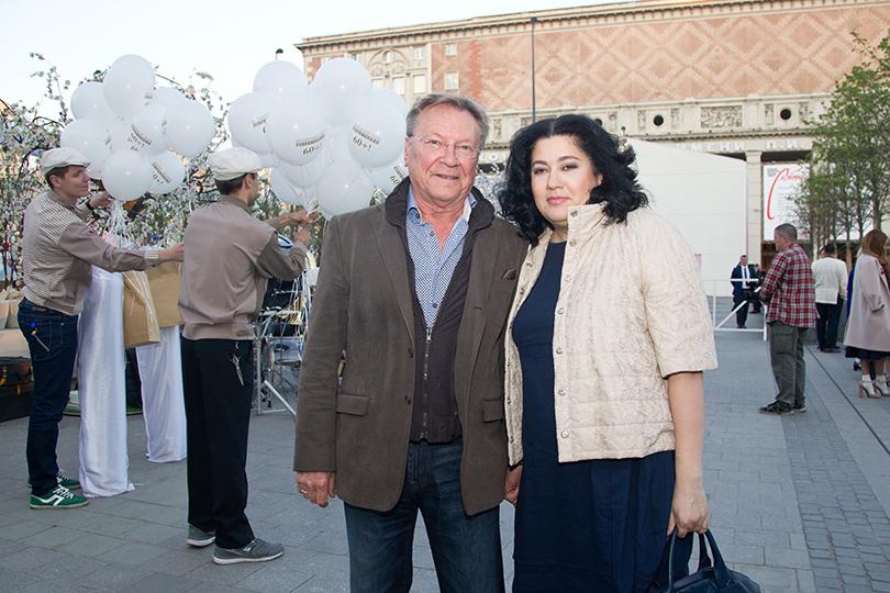 КиноТеатр: «Современник» отметил юбилей на Триумфальной площади. Сергей Шакуров с женой Екатериной