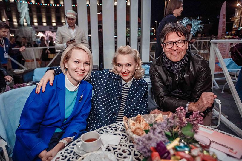 КиноТеатр: «Современник» отметил юбилей на Триумфальной площади. Екатерина Моисеева и Сергей Николаевич