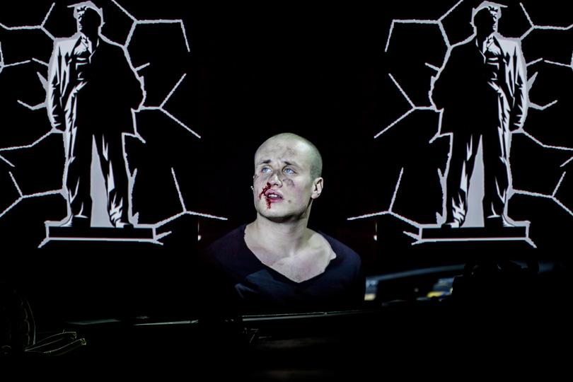 В«Гоголь-центре» прошла премьера спектакля «Маяковский. Трагедия». Никита Кукушкин