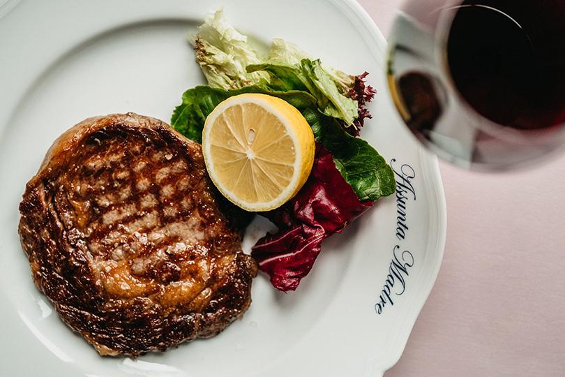 Как в ресторанах Москвы готовятся отмечать 23 февраля. Assunta Madre