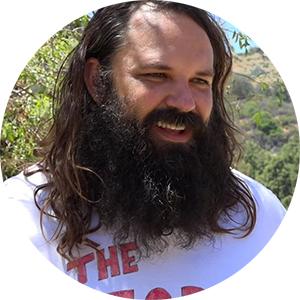 Чак Маккарти— актер изЛос-Анджелеса