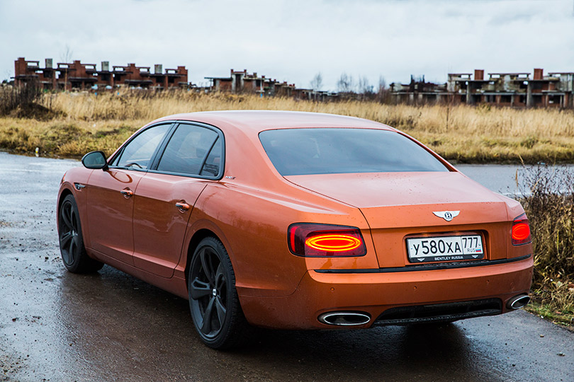 Cars with Jan Coomans. Bentley Flying Spur review — slightly mad royalty