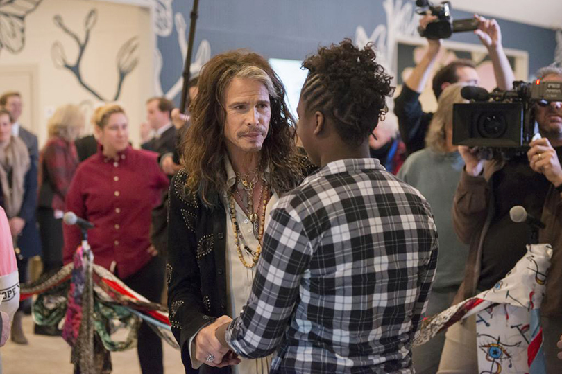«Дом Джейни»: лидер Aerosmith Стивен Тайлер открыл в Мемфисе центр помощи девушкам, пережившим насилие