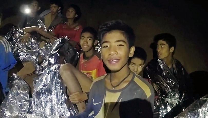 Операция «Спасение»: как весь мир пытается помочь застрявшим втайских пещерах подросткам