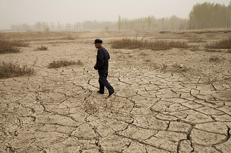 Benoit Aquin, Shepherd in Wuwei, from the Series The Chinese Dust Bowl, 2006 © Prix Pictet Water