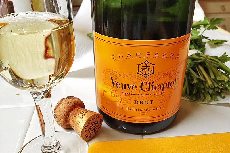Досье: праздничный напиток— шампанское. История
