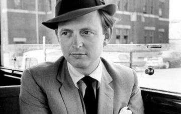 Человек сМарса: ушел изжизни журналист иписатель Том Вулф