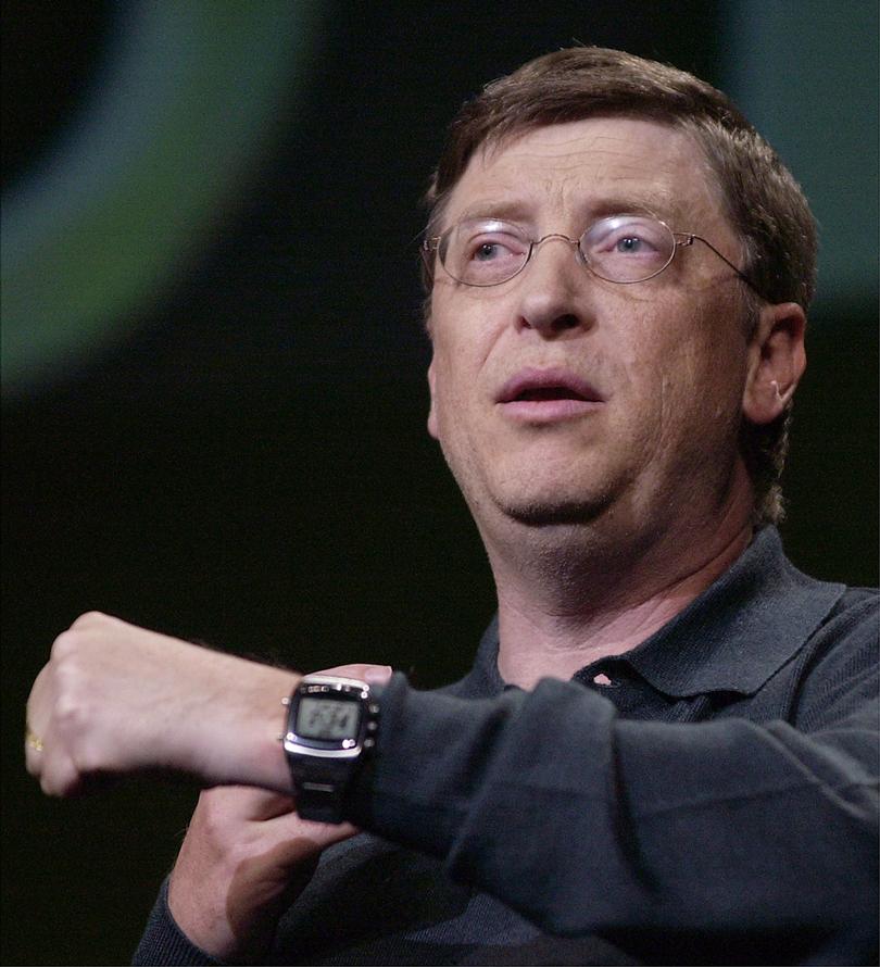 Самые богатые мужчины и их часы. Билл Гейтс и Casio W214H-1AV
