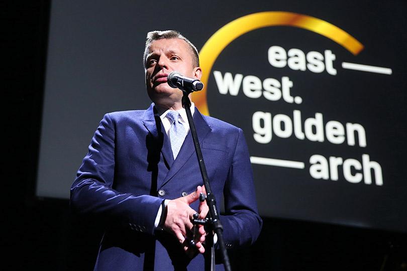 Церемония вручения кинопремии «Восток— Запад. Золотая арка». Леонид Парфенов