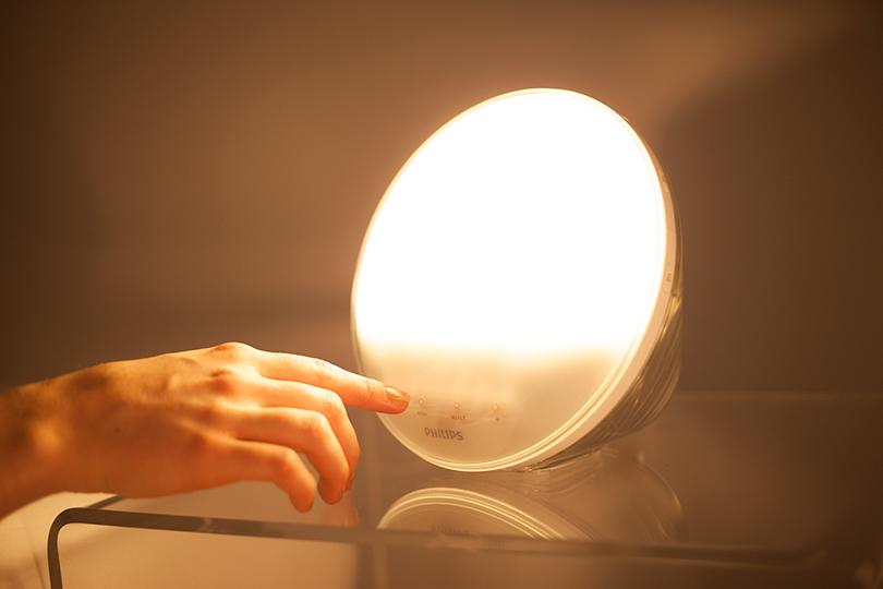 Механизмы: будильник Philips Wake-Up Light. Включите мне солнце!