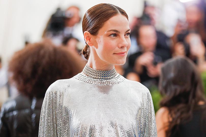 Тиары, серьги-люстры имассивные колье— лучшие ювелирные украшения наMet Gala 2017. Мишель Монаган