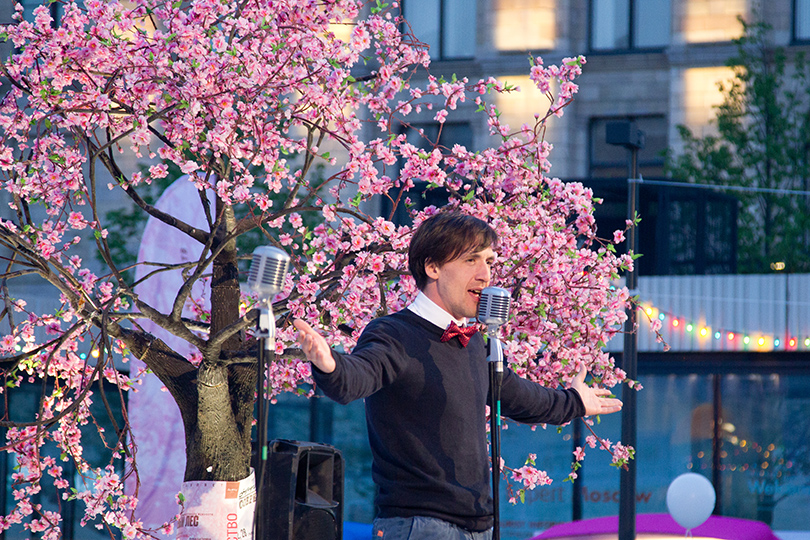 КиноТеатр: «Современник» отметил юбилей на Триумфальной площади. Артур Смольянинов