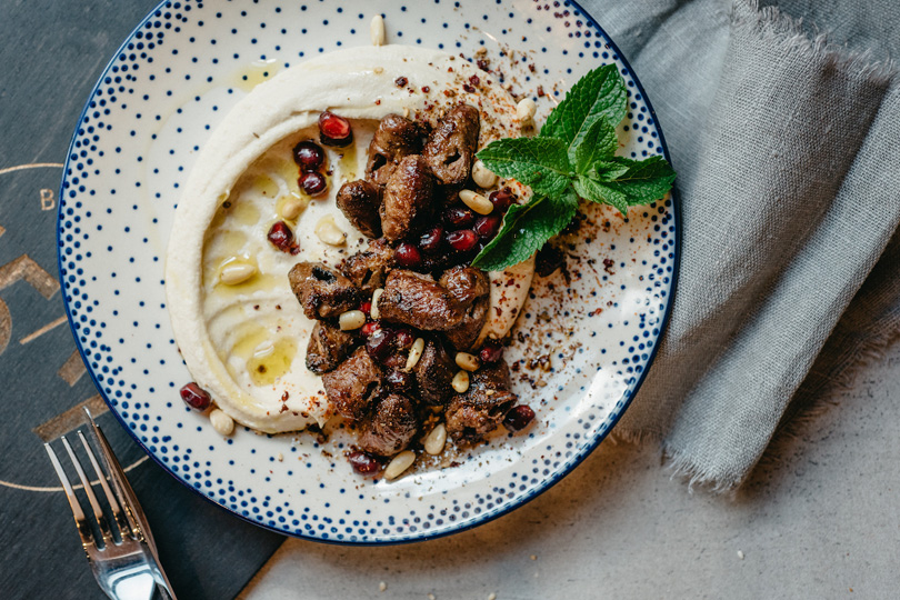 Досье: хумус— как готовить игде пробовать. 15/17 Bar &Grill