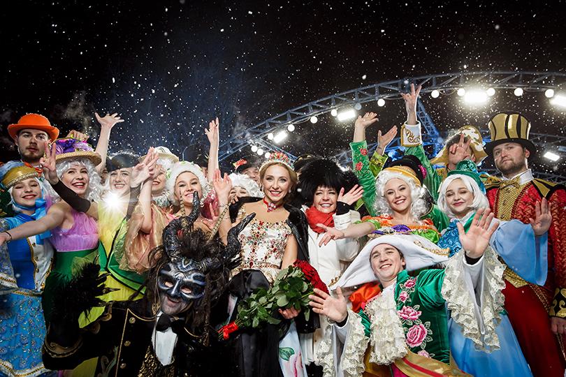 Татьяна Навка представила авторский дизайн часов Chopard Happy Sport. Татьяна Навка иКаролина Шойфеле сартистами ледового шоу