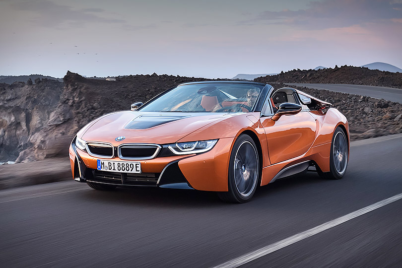 Cars with Jan Coomans. What's new atthe Los Angeles Motor Show. BMW i8Roadster