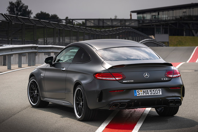 Авто сЯном Коомансом. Новый Mercedes-AMG C63— надороге инатреке