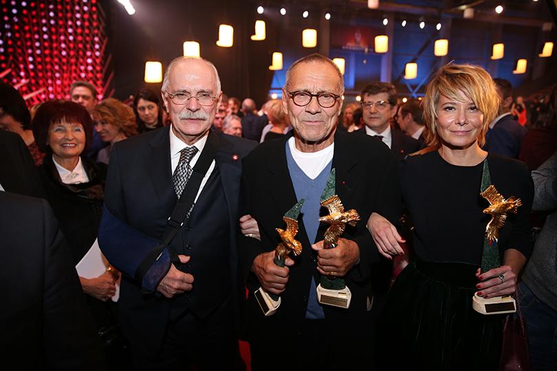КиноТеатр: премия «Золотой орел» в 2017 году. Никита Михалков, Андрей Кончаловский и Юлия Высоцкая