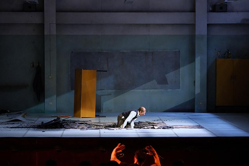 Голоса Жанны д'Арк: премьера спектакля Ромео Кастеллуччи наДягилевском фестивале