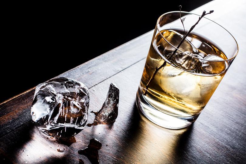 Шеф-бармен бара «Коробок» Евгений Шашин— оформате спикизи, чайном грибе истрахе перед алкоголем